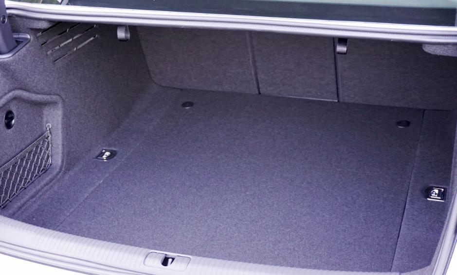 maletero Audi A4