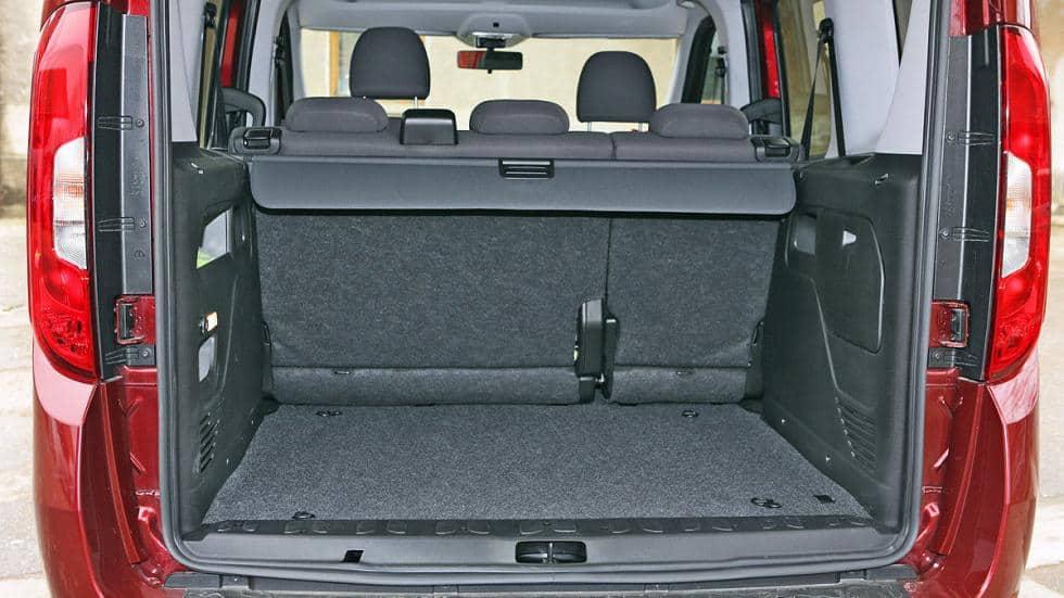 Peugeot Dobló maletero rent a car malaga airport