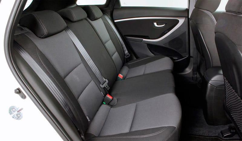 Hyundai I30 asientos traseros car Hire malaga airport