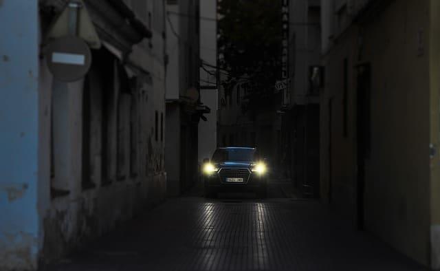 conduccion noche por ciudad