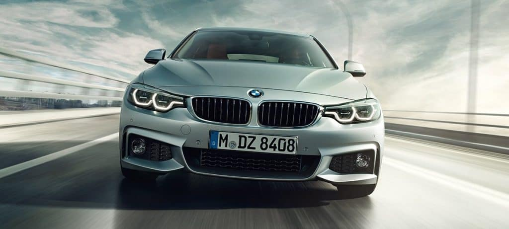 Parte frontal de BMW serie 4 a car en Fetajo Rent a Car