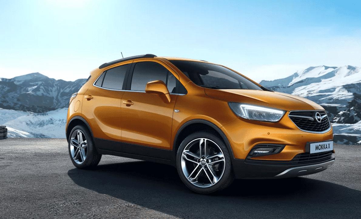 Opel Mokka delante Fetajo rent a car