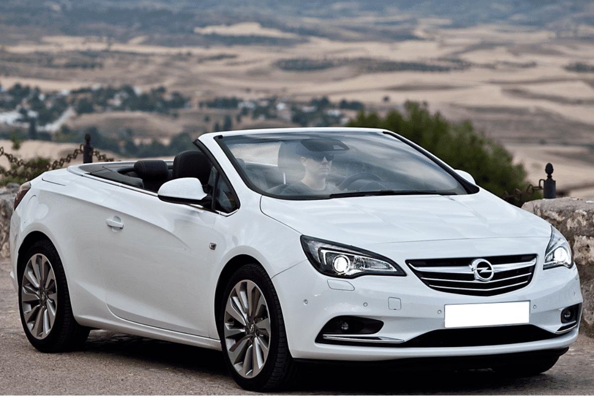 Exterior Opel Astra cabrio rent a car Malaga frontal